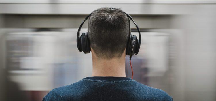 TEST: Vi tester headphones – Her er 4 favoritter!