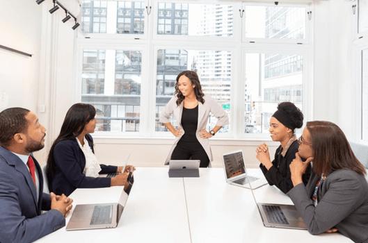 4 inspirerende måder du kan blive en bedre leder på