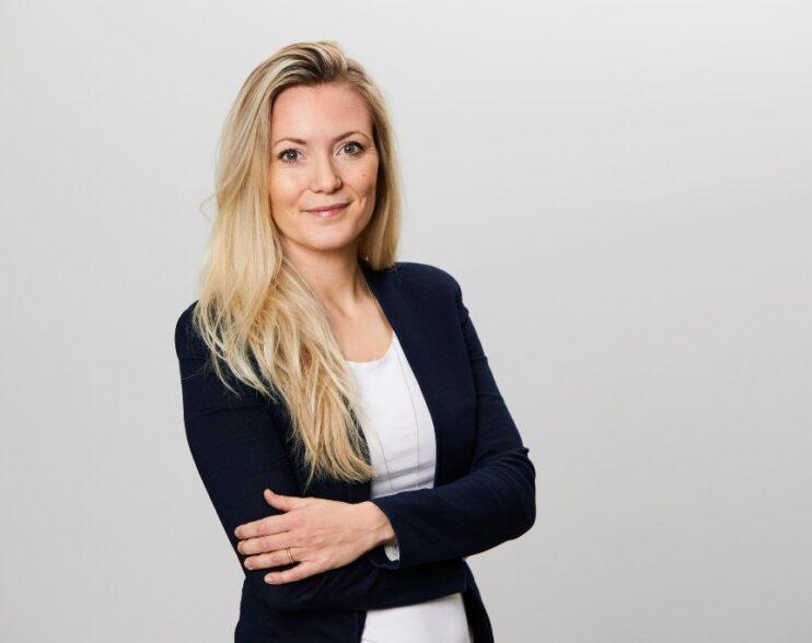 Linnéa Schmidt, netværkeren, Bizz Up
